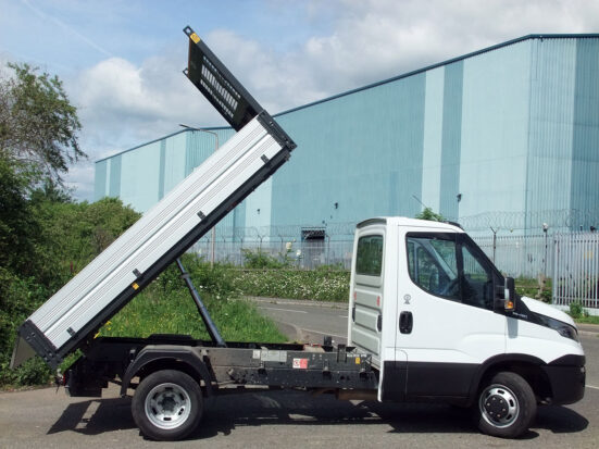 Iveco Daily Tipper - 2016 - + Logo_HIRE_13