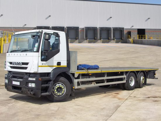Iveco Stralis 26t Flatbed - 2014 - no Logo _HIRE_01z2