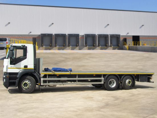 Iveco Stralis 26t Flatbed - 2014 - no Logo _HIRE_02z2