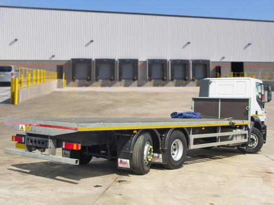 Iveco Stralis 26t Flatbed - 2014 - no Logo _HIRE_05z