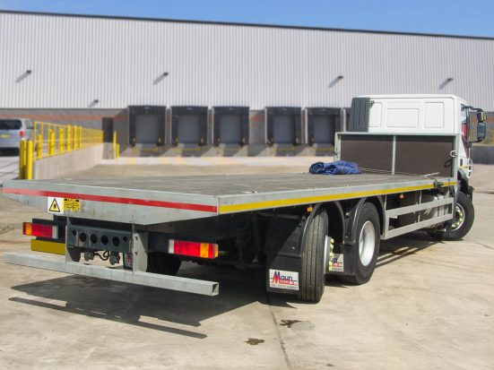 Iveco Stralis 26t Flatbed - 2014 - no Logo _HIRE_07z