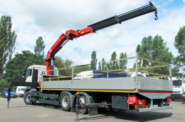 MAN 26 tonne front mount crane lorry 02