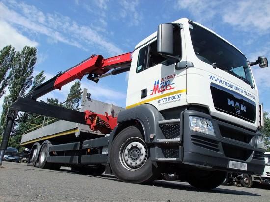 MAN-26t-front-mount-crane_hire_07f
