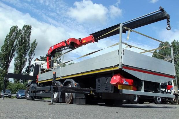 MAN-26t-front-mount-crane_hire_09b