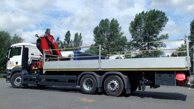 MAN-26t-front-mount-crane_hire_14f