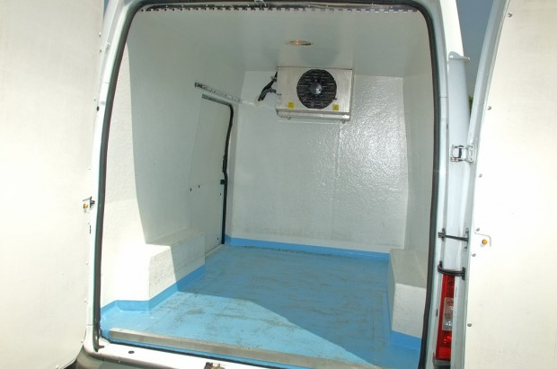 Refrigerated Chiller Transit Fridge Van Rental 04