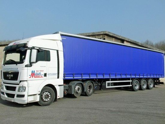 Tractor Unit and Curtain Side Trailer Hire - 40 foot Trailer Rental 02