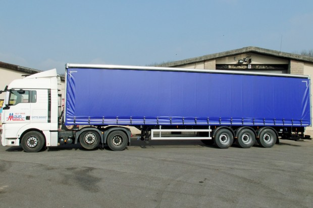 Tractor Unit and Curtain Side Trailer Hire - 40 foot Trailer Rental 03