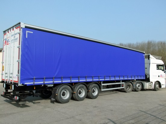 Tractor Unit and Curtain Side Trailer Hire - 40 foot Trailer Rental 04