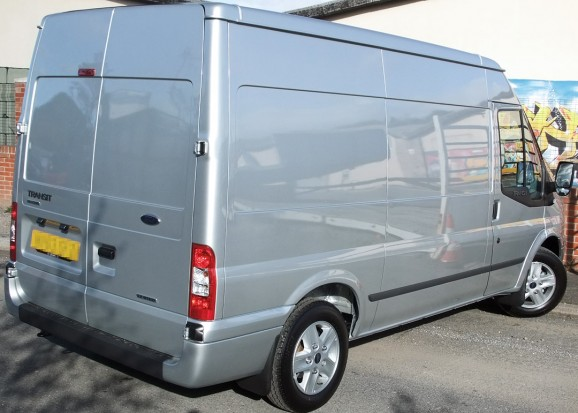Transit MWB Medium Roof Panel Van 03