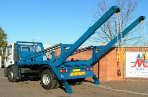Skip lorry hire, 18 tonne GVW with Extending Arms Rental from Maun Motors Self Drive Hire