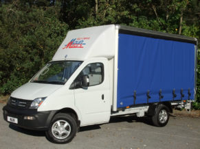 3.5t Curtainside Van Hire from Maun Motors Self Drive - Tautliner van rental