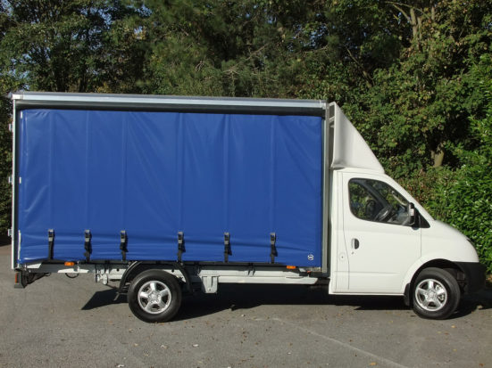 ldv-v80-curtain-side_hire_06