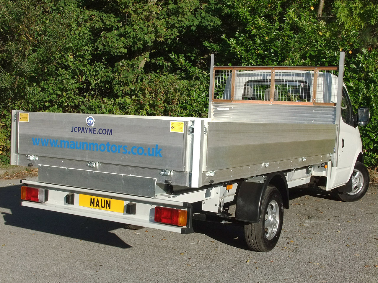 VALUE 3.5t Dropside Hire - 13.5 foot / 4.12 m Flatbed