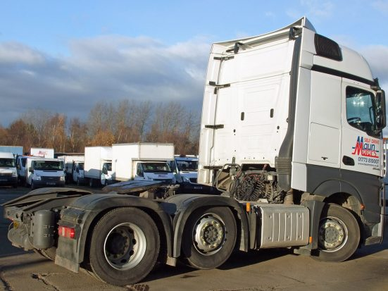 Mercedes-Benz Actros Euro 6 tractor unit rental 02