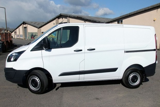 Ford Transit Custom Panel Van 02
