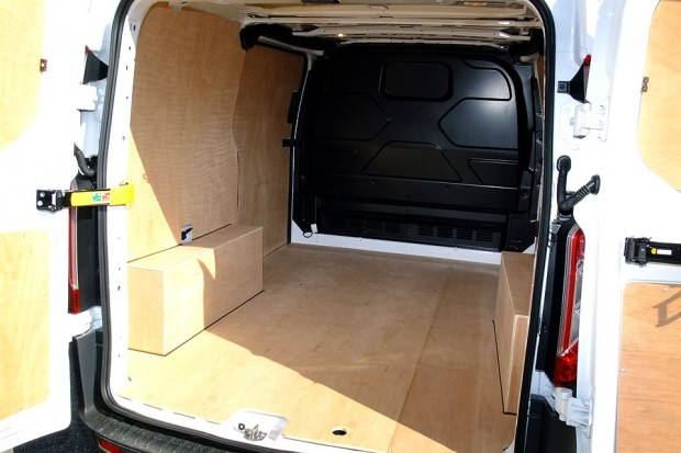 Ford Transit Custom Panel Van 05