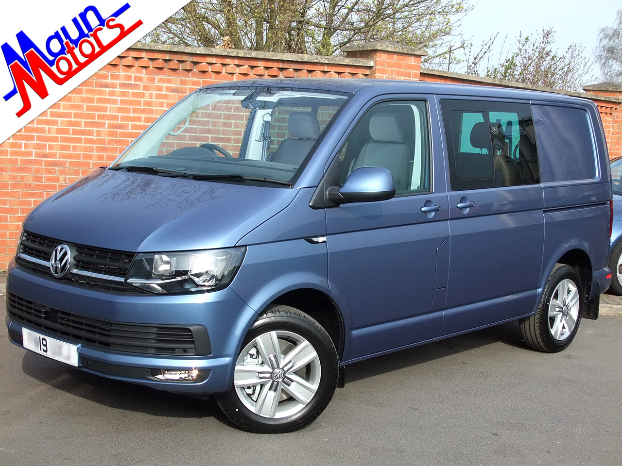 VW Transporter Kombi used crew vans for sale